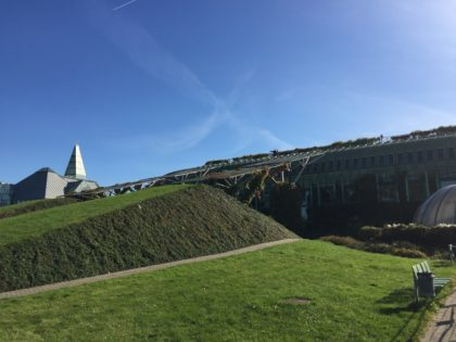 Roof Garden of the Warsaw University Library with kids, attractions for children, park