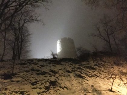 Kazimierz Dolny with kids - castle tower by night during winter time