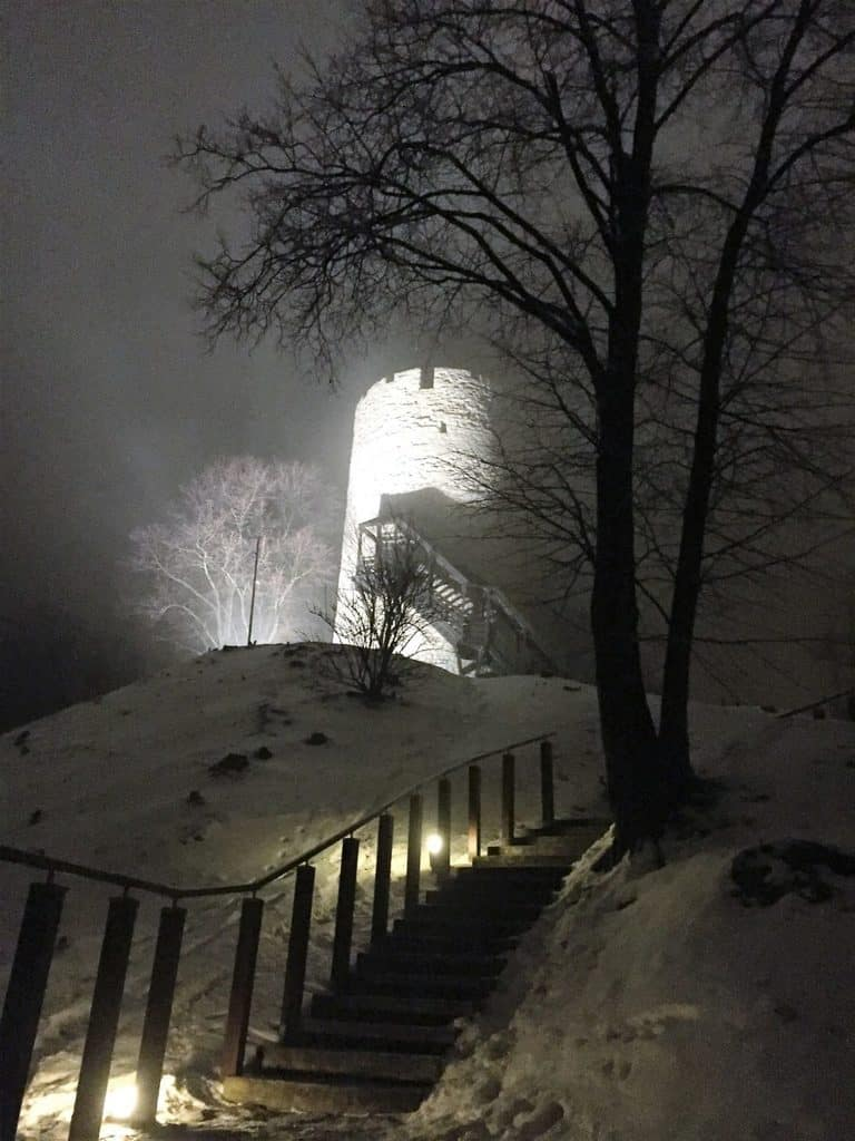 Kazimierz Dolny with kids - castle tower by night