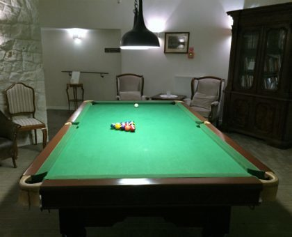 Kazimierzowka Hotel in Kazimierz Dolny - atractions for kids - billiard / pool table
