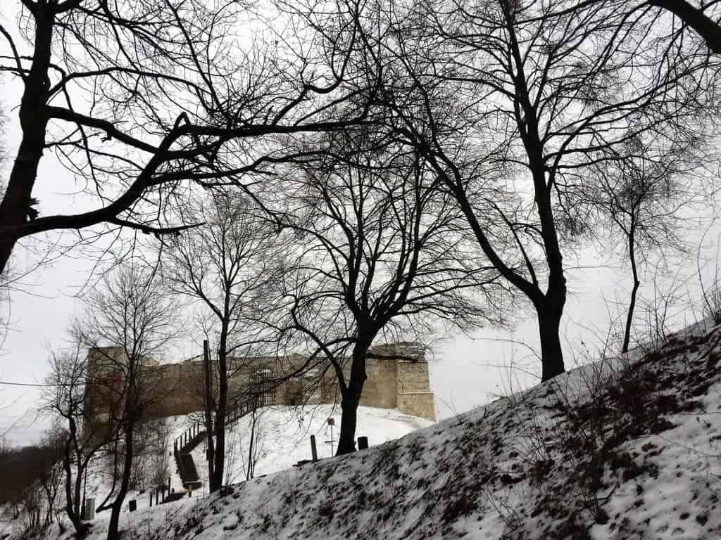 Kazimierz Dolny with kids - castle ruins