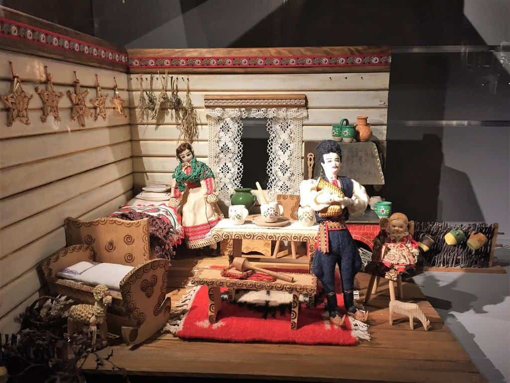 Dollhouse Museum in Warsaw in the Palace of Culture and Science - attractions for kids - folk house