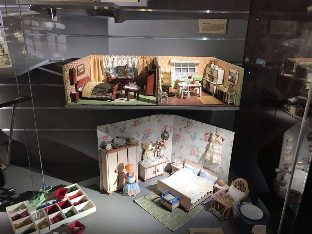 Dollhouse Museum in Warsaw in the Palace of Culture and Science - attractions for kids - a bedroom
