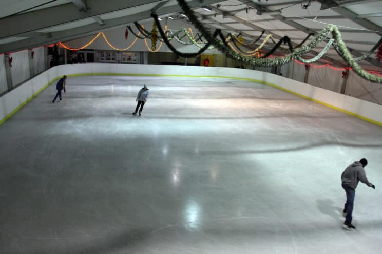 ice skating rink warsaw moczydlo wola
